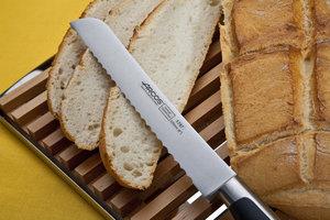 ARCOS Kyoto Bröd kniv 220mm